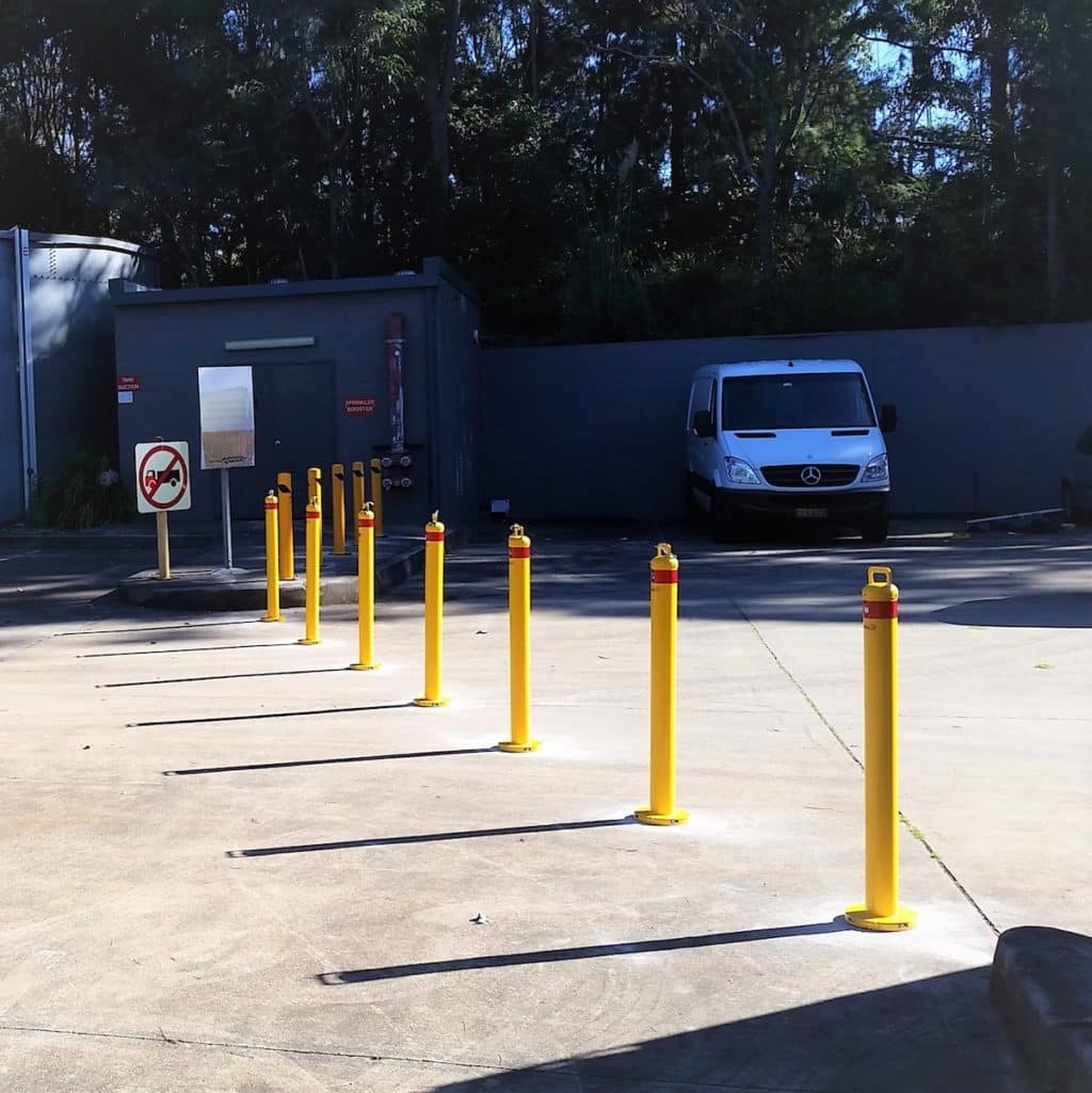 EV301 Verge bollard. carpark safety. removable bollard