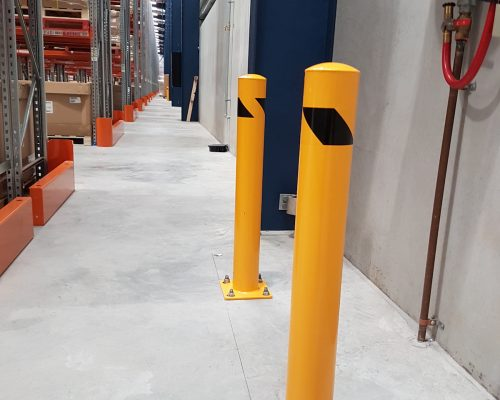 EV301 Verge safety barriers. Verge bollards. Asset and building protection. forklift safety. MEDLINE. prevents damage (2)