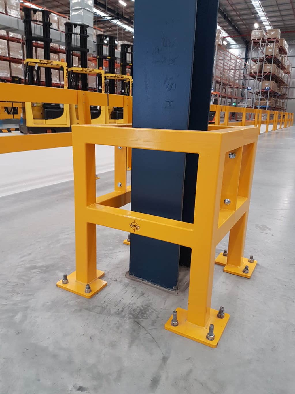 EV310 Verge safety barriers. Verge Column protection. asset protection. forklift safety MEDLINE (2)