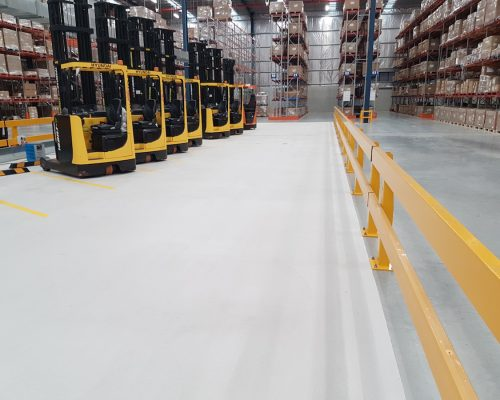 Verge safety barriers. Forklift charging station. MEDLINE (4)